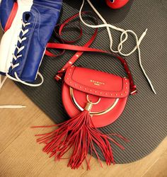 d45419dc666 12 Best Bags images   Advertising campaign, Bargain shopping, Couture