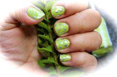 DailyCurlz: Get Funky with this DIY manicure / Funky Look para mis uñas