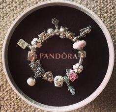 Beautiful pandora bracelet Pandoras Box, Bracelet Designs, Pandora Charms, Charmed, Bracelets, Outfits, Beautiful, Jewelry, Rings