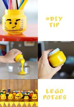 Leuke Lego potjes maken. Neem lege kleine babyvoeding potjes verf de binnenkant of doe er wat verf in en schudden maar.... Daarna kan je de buiten kant verder afmaken met watervaste stift, En eventueel vilt o.i.d. Veel plezier met je Lego potjes! Ook handig natuurlijk om kleine Lego onderdelen in te bewaren, dan verf je het dekseltje gewoon mee Ninjago Party, Lego Birthday Party, Projects For Kids, Diy For Kids, Crafts For Kids, Lego Van, Library Themes, Do It Yourself Inspiration, Baby Food Jars