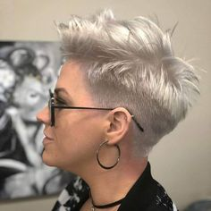 Short Pixie haircuts for black women look even better. Thick curly hair is extremely difficult to style because of its texture. Short hair will be perfect for t Short Pixie Haircuts, Pixie Hairstyles, Short Hair Cuts, Pixie Cuts, Trendy Hairstyles, Asymmetrical Haircuts, Edgy Short Hair, Thick Hair Pixie, Haircut For Thick Hair