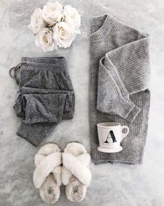 The Perfect Holiday or Christmas Gifts for Her, Winter Outfits, The Perfect Holiday Gifts for Her - Cozy Joggers, Cozy Sweatshirt, and Cozy Winter Slippers. Lazy Day Outfits, Cozy Winter Outfits, Cute Comfy Outfits, Mode Outfits, Comfortable Outfits, Cozy Fashion, Winter Fashion, Women's Fashion, Fashion Trends