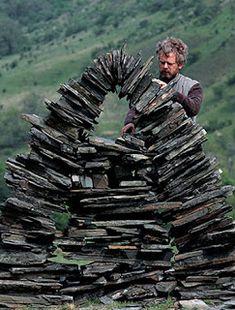 nature art 35 Who Made a Difference: Andy Goldsworthy Using nature as his canvas, the artist creates works of transcendent beauty Land Art, Site Art, Art Blog, Abstract Sculpture, Sculpture Art, Metal Sculptures, Bronze Sculpture, Sculpture Garden, Andy Goldsworthy Artworks