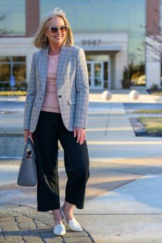 Plaid Blazer and Black Crop Pants for the Office this Spring - Styles for women over 50 - Fashion over 40 - Work clothes - Spring Style Inspiration Spring Work Outfits, Spring Wear, Spring Style, 50 Fashion, Fashion Over 40, Fashion Bloggers Over 40, Black Cropped Pants, Business Chic, Printed Blazer
