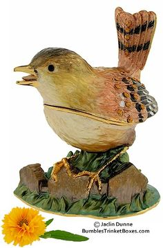 Trinket Box: Wren Singing
