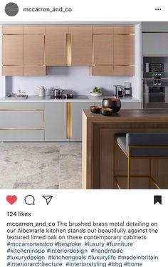 Home decor retro Luxury Kitchen Design, Kitchen Room Design, Kitchen Cabinet Design, Luxury Kitchens, Kitchen Layout, Interior Design Kitchen, Home Kitchens, Kitchen Modular, Modern Kitchen Cabinets