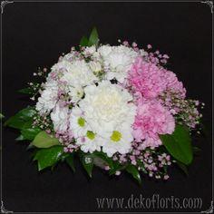 Dekoracja stołu - I Komunia Święta dla dziewczynki Dobrzeń - Opole - opolskie #dekoracje kwiatowe #komunia #dekoracja stołu #flowers #tables decorations