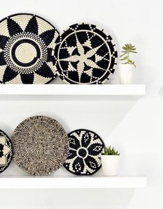 Protect your precious surfaces with this beautiful trivet. Impress your guests when you set your hot dishes on this hand-woven piece. Each purchase empowers artisans in Rwanda working at All Across Africa. Details - Approximately diameter - Made of sis Home Decor Baskets, Basket Decoration, Baskets On Wall, Easy Home Decor, Handmade Home Decor, Home Decor Items, Cheap Home Decor, Handmade Items, Tienda Natural