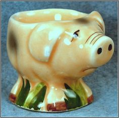 .Pig egg cup