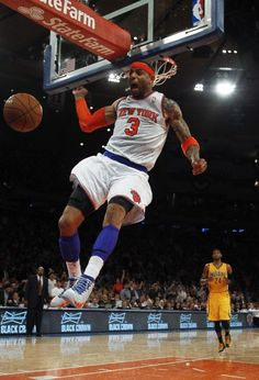 MAY 7: Kenyon Martin #3 of the New York Knicks dunks against the Indiana Pacers during Game Two