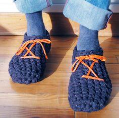 Zapatillas hombre hechas en ganchillo con tejido por TRAPIQueen