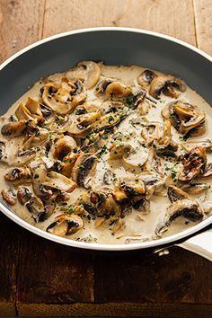 Snelle champignonsaus…Klaar in minder dan 5 minuten! Vegetarian Recipes, Cooking Recipes, Healthy Recipes, Belgian Food, Food Inspiration, Italian Recipes, Love Food, Food To Make, Food Porn