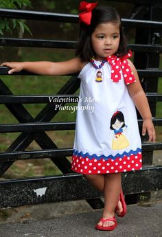 Items similar to Beautiful Snow White princess inspired pillowcase dress on Etsy Disney Outfits, Kids Outfits, Little Girl Dresses, Girls Dresses, Baby Dress Patterns, Skirt Patterns, Blouse Patterns, Kids Frocks, Frock Design