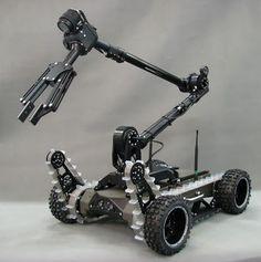 AUVSI 2013 - The new PIAP GRYF robot @pimzond @N_G_M_Magazine noiseguitarmusic.net
