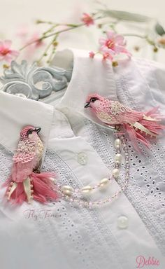 Vintage Bird Collar Clips ~ Debbie ❤