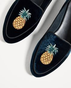 Image 1 of FLAT VELVET SHOES WITH EMBROIDERY DETAIL from Zara