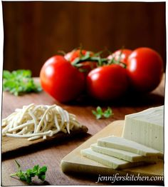 Want to go vegan but love cheese? No problem! These dairy free cheese recipes will satisfy all your cheesy needs. Recipes With Mozzarella Cheese, Vegan Cheese Recipes, Vegan Mozzarella, Vegan Foods, Vegan Snacks, Vegan Dishes, Dairy Free Recipes, Raw Food Recipes, Vegetarian Recipes