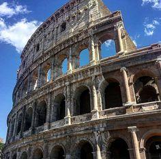 elmundo #elcoliseoromano #fotografia  #foto #instagramers  #instago #photography #photo #travel #viajes  #roma🇮🇹 #italia #instacool #traveltime #traveltheworld #coliseum  #travelmore  #traveltime  #traveling  #coliseoromano