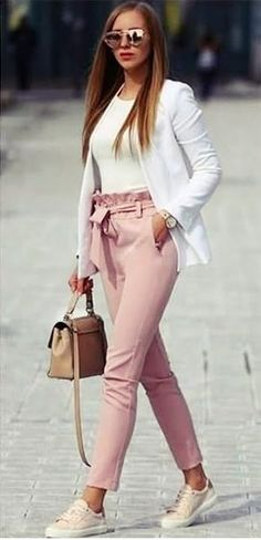 Are you a little worried for your business outfits? Want to know some new spring business outfit ideas for women? These outfit ideas will help you a lot to decide your business wardrobe this season. Stylish Work Outfits, Spring Work Outfits, Business Casual Outfits, Office Outfits, Fashionable Outfits, Dressy Outfits, Stylish Outfits, Business Outfit Frau, Business Attire