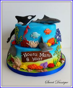 sea cake shark Shark Birthday Cakes, Sea Cakes, Food And Drink, Desserts, Sailor, Meet, Tailgate Desserts, Dessert, Deserts