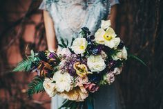 www.simplebeyond.com wedding bouquet with gorgeous poppy flowers