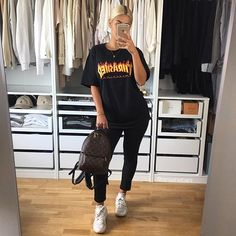 I love re-discovering old clothes in my wardrobe . #trasher #tshirt #outfit #ootd #kotd #nike #huarache #girl #style #black #louisvuitton #lv #backpack #fashion #fashionblogger