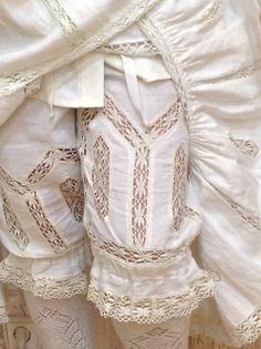 Edwardian era style under wear Vintage Underwear, Vintage Lingerie, Antique Clothing, Historical Clothing, Edwardian Fashion, Vintage Fashion, Edwardian Era, Patron Vintage, Bustle Dress