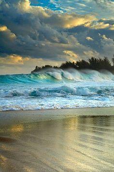 Haena Surf - Kauai, Hawaii