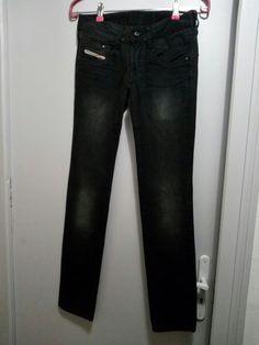 Jean noir, taille basse Diesel modèle CLUSH