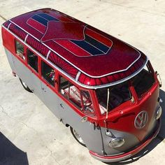 CUSTOM PAINT with Jorge Hernandez of SoCal Vicious Wagens...looks like hours of fine work! Red Glitter Roof... VW Bus ☮ #VWBus ☮re-pinned by http://www.wfpblogs.com/category/toms-blog/