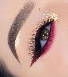 Colorful eye makeup ideas, eyeshadow makeup ideas, sexy matte eye makeup looks ideas, creative eye makeup ideas for woman Smoky Eye Makeup, Makeup Eye Looks, Eye Makeup Steps, Eye Makeup Art, Eyeshadow Makeup, Smokey Eye, Makeup Drawing, Glow Makeup, Witch Makeup