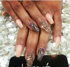 Laque crystal nails coffin shape