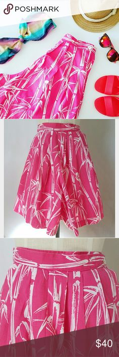 """Vintage High Waisted Pink Shorts Perfect for hittin' the beach!! Wide legs Front & back pleats  No size or content label Feels like 100% cotton Approximately size Small (2/4) Two side button closure for optional fit  25-27"""" waist 19"""" long Excellent vintage condition-no holes, stains or rips   🌟PLEASE READ CLOSET INFO AND POLICIES POST🌟 Vintage  Shorts"""