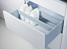 Poggenpohl Accessories - Pull-outs with crosswise dividers