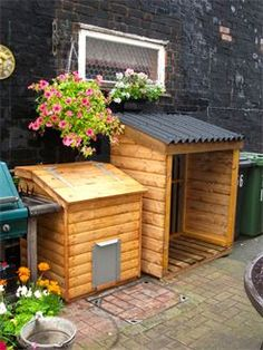 Standard Log Store with solid sides and slatted back for additional air flow from Birch Tree Cottage Workshop Coal Bunker, Field Shelters, Bin Store, Outdoor Furniture, Furniture Ideas, Outdoor Decor, Wooden Garden, Stables, Logs