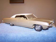 1969 Pontiac Bonneville 2 Door Ht promo model Model Cars Building, Promotional Model, Pontiac Bonneville, Train Car, Scale Models, Vintage Toys, Hot Wheels, Diecast, Trains
