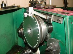 A simple indexing setup for a lathe.