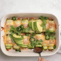zucchini recipes Swap the tortillas for thinly sliced zucchini, and try this low carb keto friendly Zucchini Enchiladas. Theyre made w/ shredded chicken and sure to impress Clean Eating Recipes For Dinner, Clean Eating Snacks, Eat Clean Dinners, Low Carb Recipes, Cooking Recipes, Healthy Recipes, Lunch Recipes, Vegetarian Recipes Dinner, Low Carb Keto