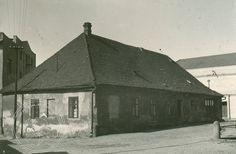 Škola za kostelem,snímek z konce 50. let minulého století Gazebo, Outdoor Structures, Cabin, House Styles, Home Decor, Kiosk, Decoration Home, Room Decor, Pavilion