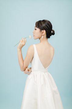 【極簡主義的輕婚照】Marisa – Portrait | Tomekcheungphotography Backless, Engagement, Portrait, Dresses, Fashion, Vestidos, Moda, Headshot Photography, Fashion Styles