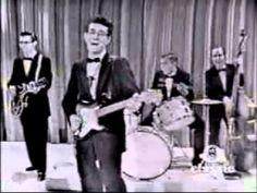 ロックンロール草創期の代表的Gorge。バックビートではなく、タムの連打にこそロックの初期衝動が宿っている、ということを裏付ける1曲。