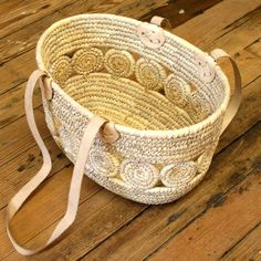Handmade in Bangladesh | $43.00This shopping basket is made out of palm leaf fiber, with ...