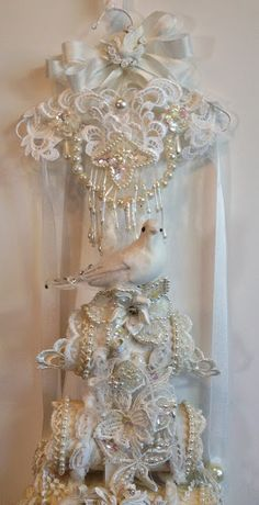 annes papercreations: Pion Design Hanging Toilet Paper Roll Shabby Chic Pencil Holder close up picture by Anne Rostad