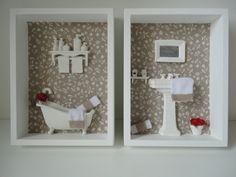 Quadro para banheiro, com fundo em tecido 100% algodão, com peças em resina e flores secas. R$ 121,00