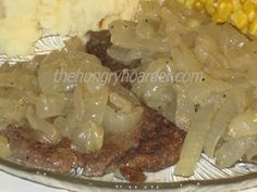 Liver and Onions - I don't ever recall a time in my life that I did not like liver and onions. Some people prefer liver with brown gravy, I'd almost rather have liver and onions over a good steak, almost! Onion Recipes, Sausage Recipes, Meat Recipes, Beef Dishes, Seafood Dishes, Fried Chicken Livers, Caveman Food, Southern Cooking Recipes, Liver And Onions