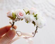 Rose Woodland Wrist Corsage Bridal Flower Bracelet by HandyCraftTS - Bridal Flowers Flower Girl Wreaths, Flower Girl Crown, Flower Girls, Wrist Corsage Bracelet, Flower Bracelet, Bridesmaid Corsage, Corsage Wedding, Bridesmaids, Prom Flowers