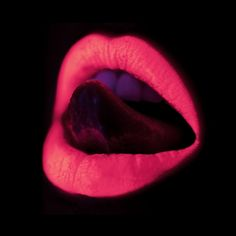 Winged Lids & Red Lipz