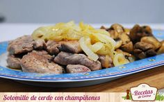 Solomillo de cerdo con champiñones  -  Ya sabéis lo que me gusta a mi el solomillo de cerdo. Es una carne muy tierna y por tanto apropiada para toda la familia. Ademas, resulta muy agradecida al poderla combinar con multitud de ingredientes. Hoy son los champiñones nuestros protagonistas pero no es la primera vez ¿os acordáis de aqu... - http://www.lasrecetascocina.com/2014/09/21/solomillo-de-cerdo-con-champinones-y-cebolla/