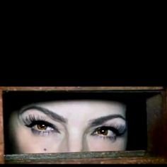 Gloria Estefan: The Eyes Say It All