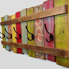 60+ Easy Crafts to Make and Sell - Crafts and DIY Ideas #artsandcraftsfurniture,  #WoodworkIdeas